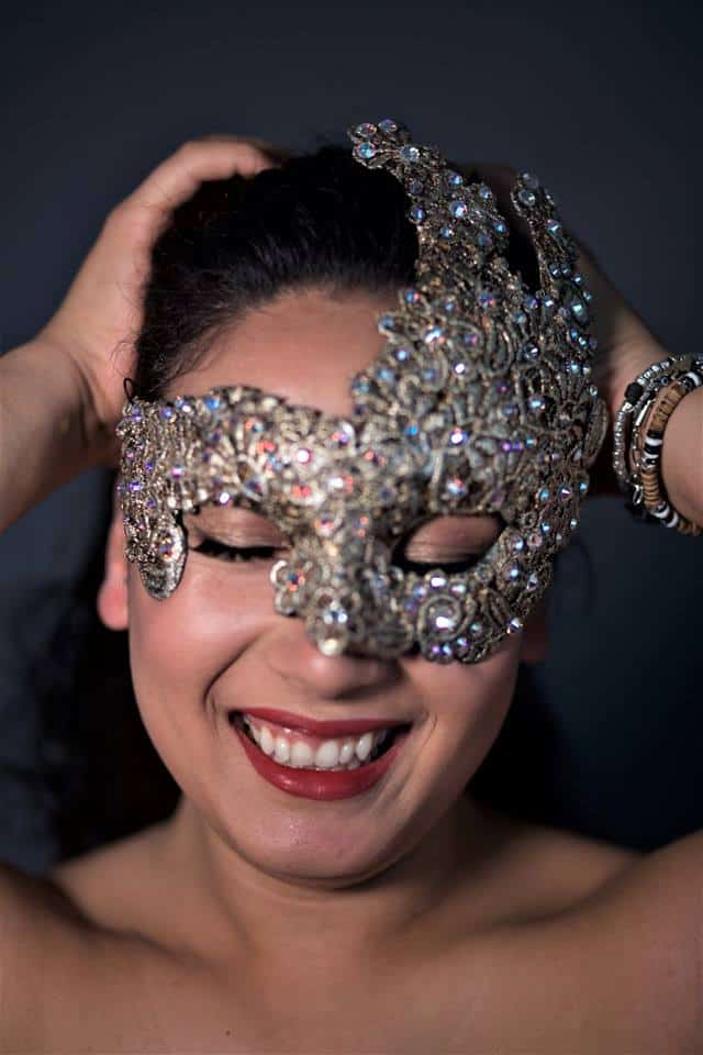 Dove trovare gioielli di pizzo e vere maschere veneziane. La storia di Sonia.
